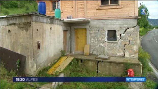Une vingtaine de maisons menac�es par un glissement de terrain � Saint-Sigismond, en Haute-Savoie