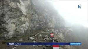 Le minage se pr�pare apr�s l'�boulement entre Venosc et Saint-Christophe-en-Oisans, sur la route de La B�rarde
